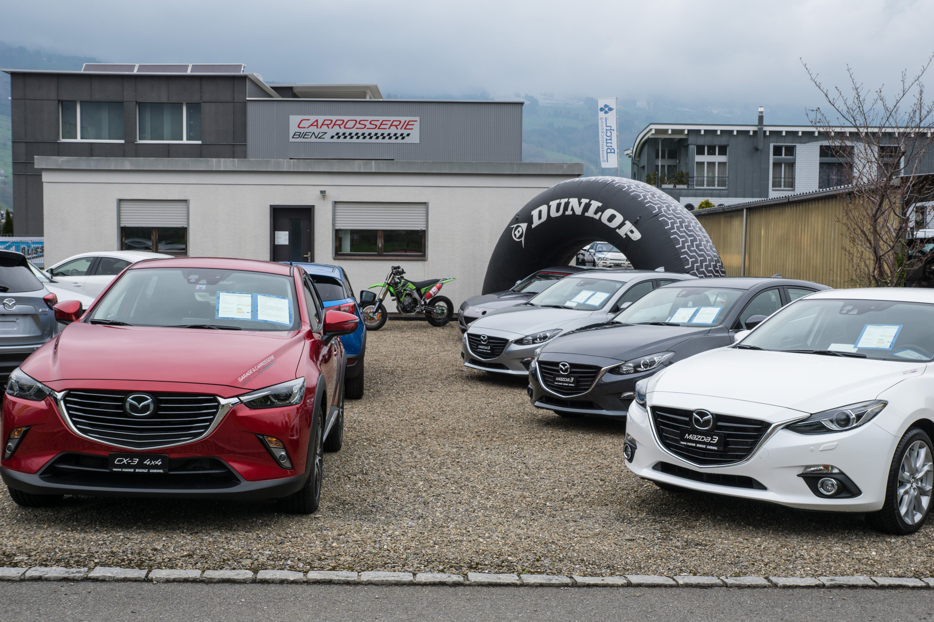 https://garagebienz.mazda.ch/wp-content/uploads/sites/48/2019/12/Ausstellung_Bienz-Garage_2016_21.jpg